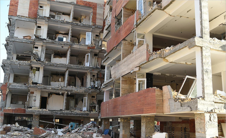 مصیبت مالکان مسکن مهر سرپلذهاب پس از زلزله ویرانگر: فقط مالک مخروبهها هستند، دولت صاحب زمین است