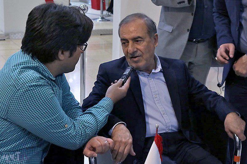 الویری: افراد کاریزما، بیشتر از احزاب موثرند