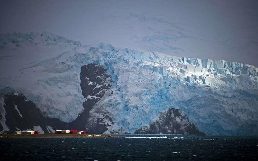 مالکیت قطب جنوب کشورهای نزدیک قطب جنوب عبدالله امیدوار زیباترین مناطق گردشگری زیباترین مناطق توریستی دنیا زندگی در قطب جنوب حیوانات قطب جنوب برادران امیدوار قطب جنوب