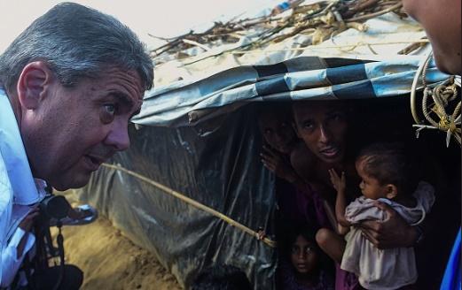 تصاویر | حضور موگرینی در میان آوارگان روهینگیایی