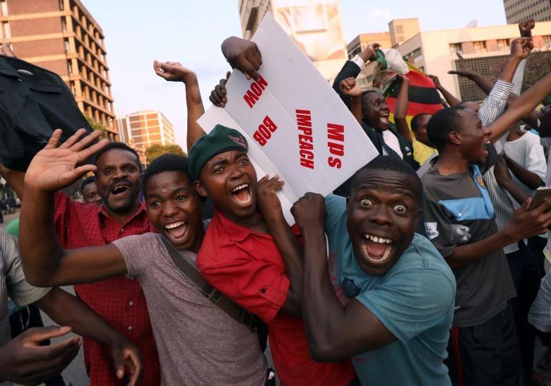 تصاویر   وضعیت خیابانهای زیمبابوه بعد از استعفای موگابه