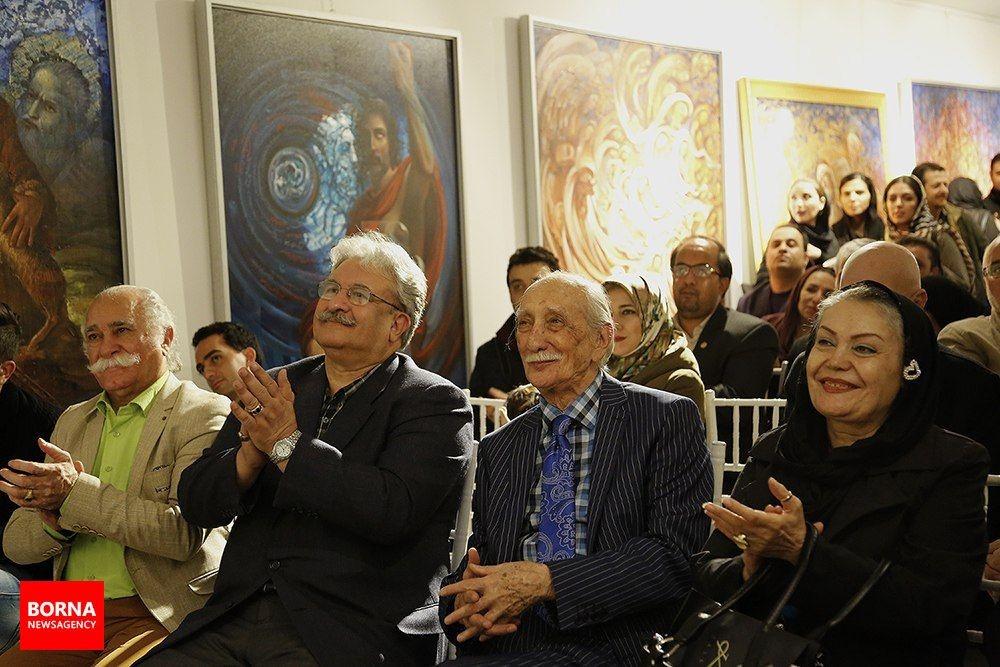 تصاویر   مراسم امضای کتاب داریوش اسدزاده در تولد ۹۴سالگیاش