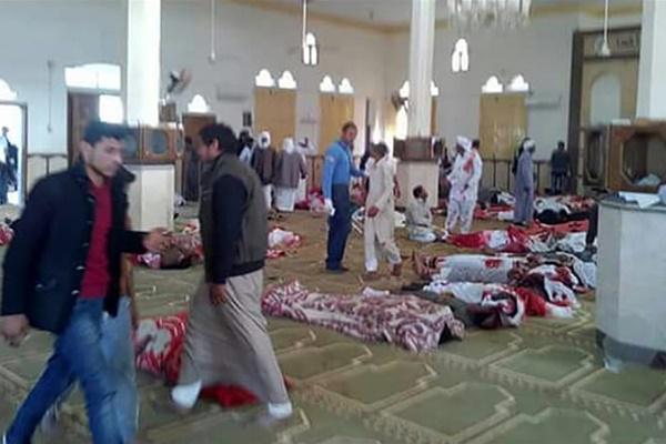 فیلم | گزارشی از حمله تروریستی مصر؛ ۲۳۵ نفر جان باختند