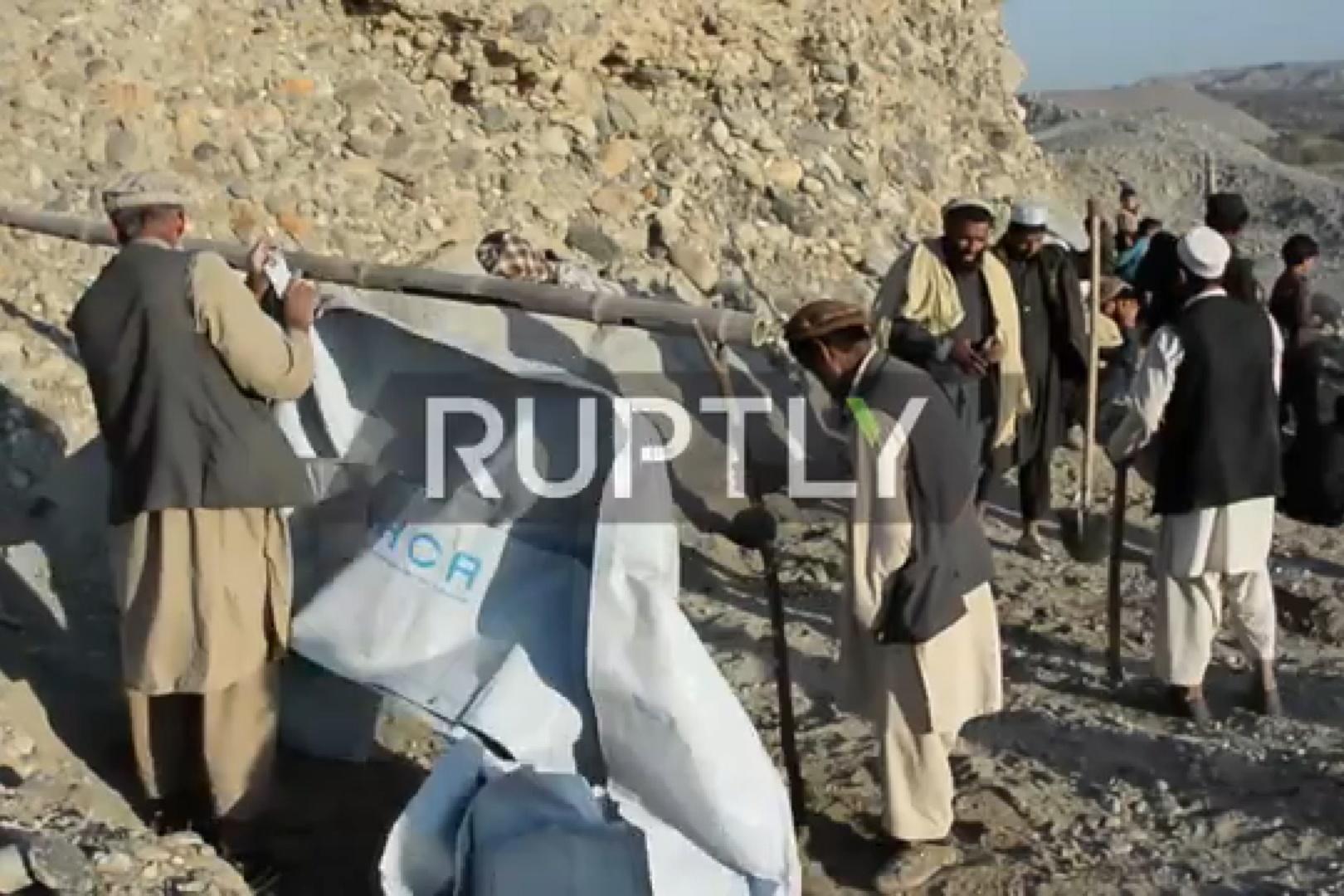 فیلم | روزگار سخت افغانهای آواره از جنگ