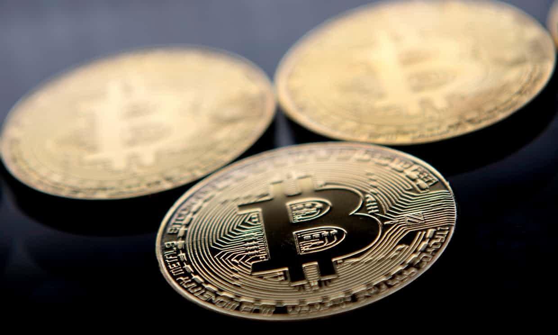 بیت کوین ۱۵ هزار دلاری میشود/ پول دیجیتال بانکداری سنتی را نابود میکند؟