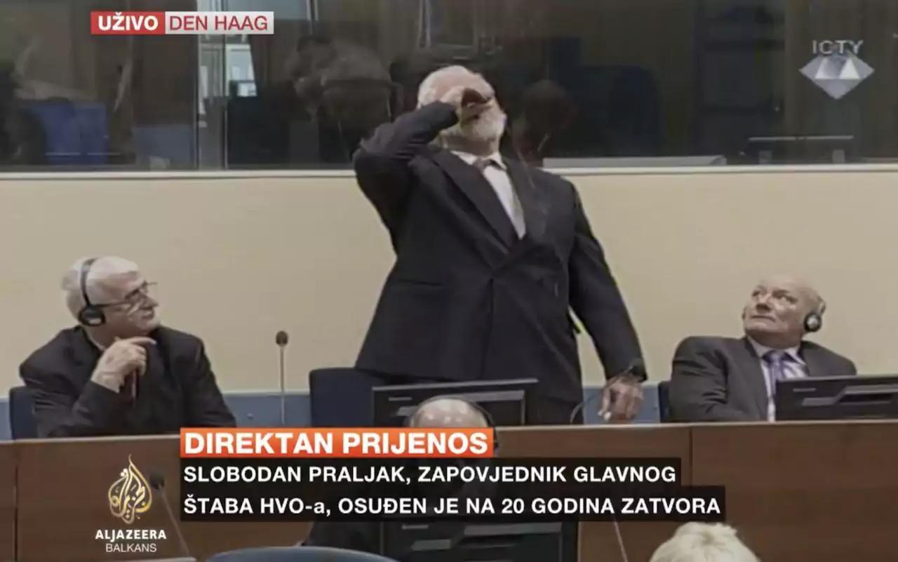 تصاویر | خودکشی فرمانده جنگ داخلی بوسنی با زهر در جلسه دادگاه