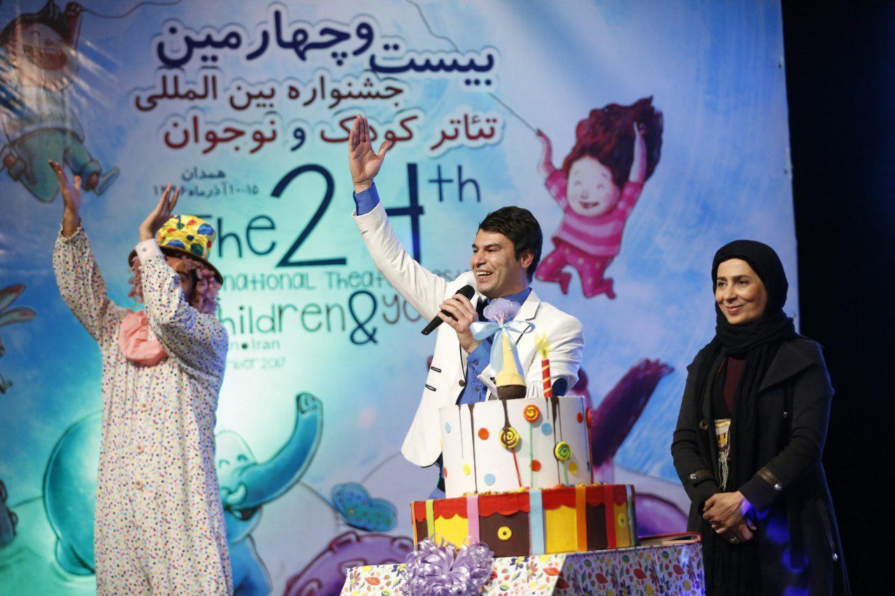 مریم کاظمی: تئاتر جادویی است که به قصهها جان میبخشد