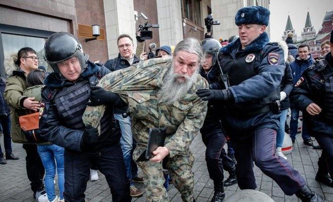 تصاویر   بازداشت ۲۶۰ نفر در تجمع اعتراضی ضد پوتین در مسکو