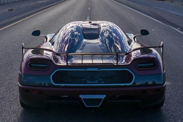 فیلم | ۴۴۷ کیلومتر در ساعت؛ ابرخودروی سوئدی رکورد سریعترین خودروی شهری جهان را شکست