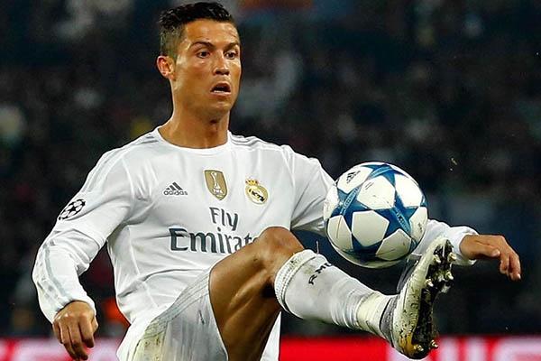 فیلم | حرکت دیدنی رونالدو در تمرین رئال مادرید