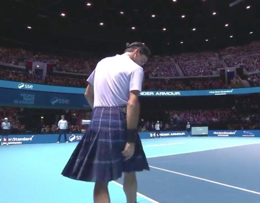 تصاویر   حضور راجر فدرر در یک بازی خیریه با دامن اسکاتلندی!