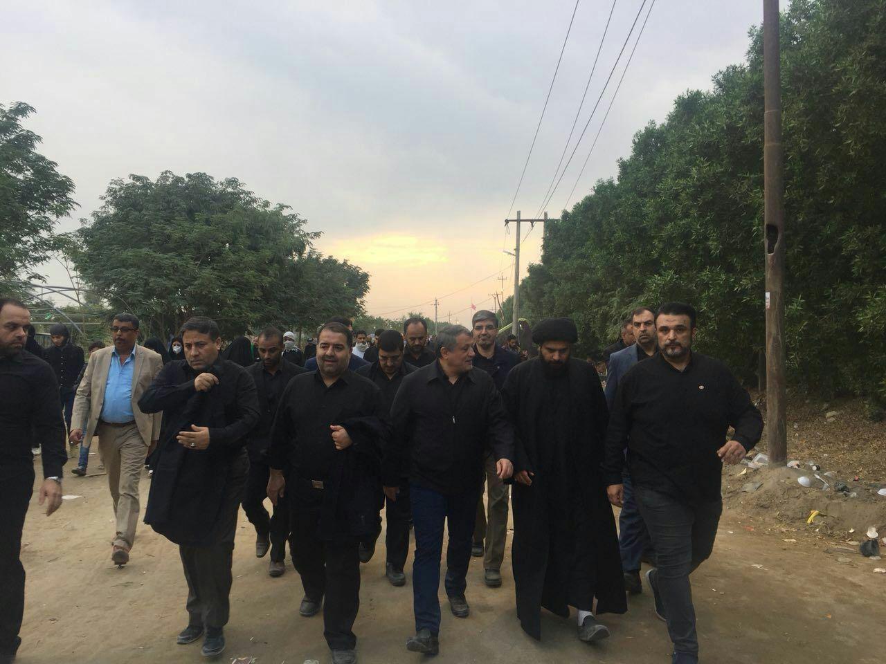تصاویر | محسن هاشمی، علی نیکزاد و محمد حسینی در مسیر کربلا