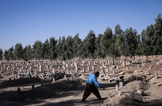 فیلم | روایت زلزلهزدگان از وجود گورهای دستهجمعی در روستاها | استاندار کرمانشاه: تکذیب میکنیم