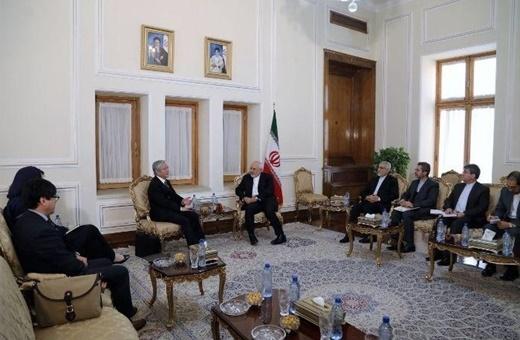دیدار نماینده ویژه دبیرکل سازمان ملل در امور افغانستان با ظریف