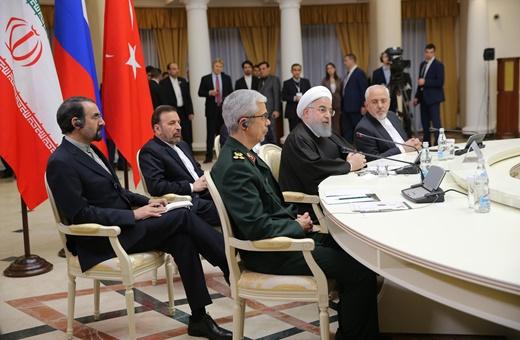 راهکارهای روحانی برای حل بحران سوریه/تداوم مبارزه با تروریسم