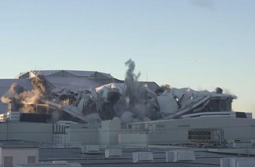 فیلم | لحظه تخریب بزرگترین استادیوم گنبدی در آمریکا و غافلگیری دوربینهای تلویزیون