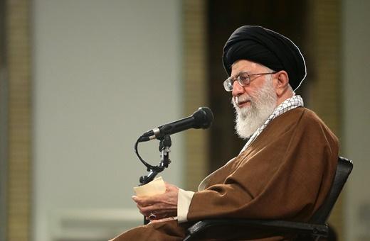 رهبر انقلاب: در مواجهه با کفر ملاحظه هیچکس را نمیکنیم