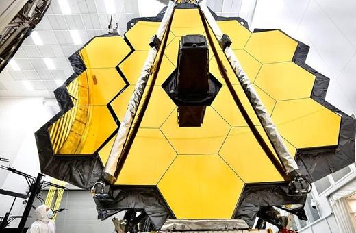 ۱۳ هدف مهم  در برنامه تلسکوپ جایگزین هابل
