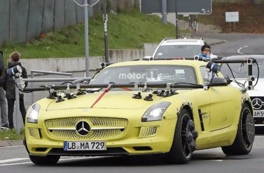 آزمایشهای عجیب خودروی جدید مرسدس بنز در جهنم سبز
