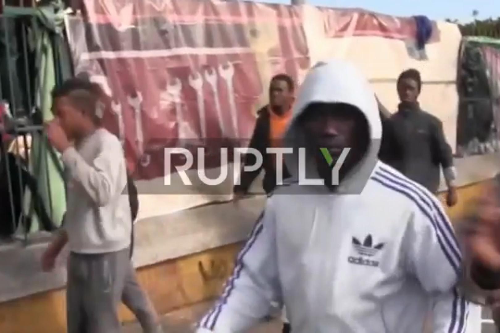 فیلم   هرج و مرج در مراکش در پی درگیری پلیس با پناهجویان