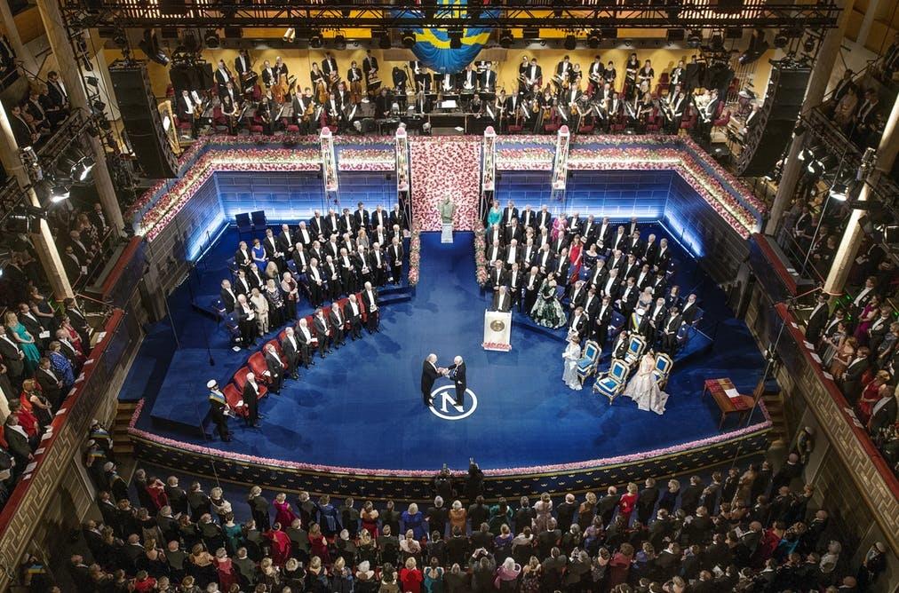 جایزه ۴.۵ میلیارد تومانی نوبل به برندگانش اهدا شد/ مراسم ویژه با حضور پادشاه سوئد
