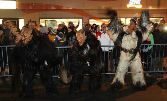 تصاویر | جشنواره ترسناک و عجیب آلمانیها در آستانه کریسمس