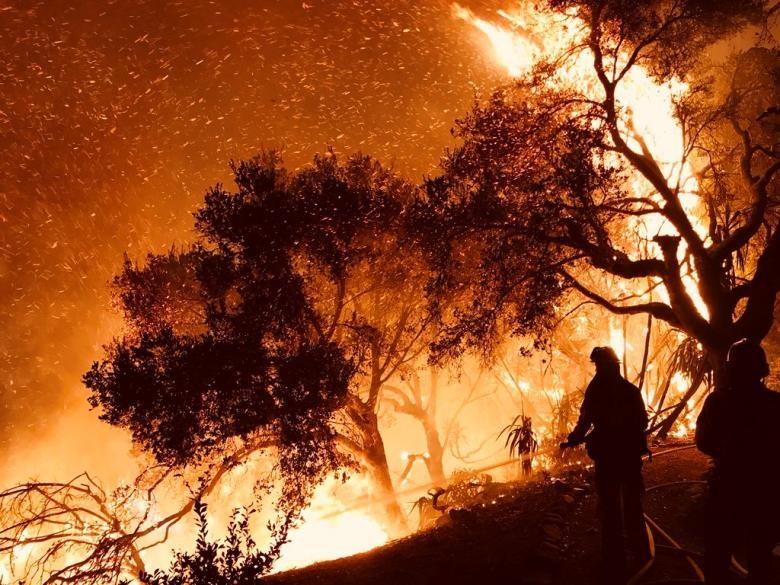 تصاویر | آتش غیرقابل کنترل کالیفرنیا در آخرین روزهای سال میلادی