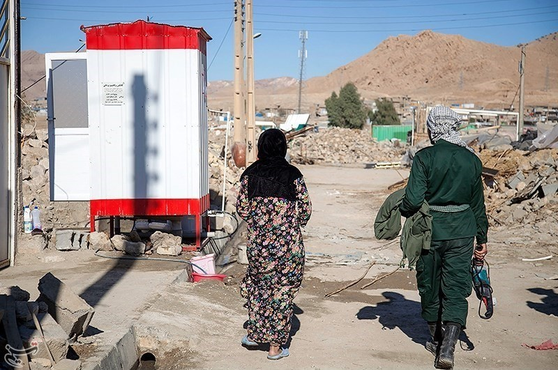 مستاجرهای زلزلهزده برای رفع مشکل اسکان چه کنند؟ / ایثارگران وام بدون سود میگیرند