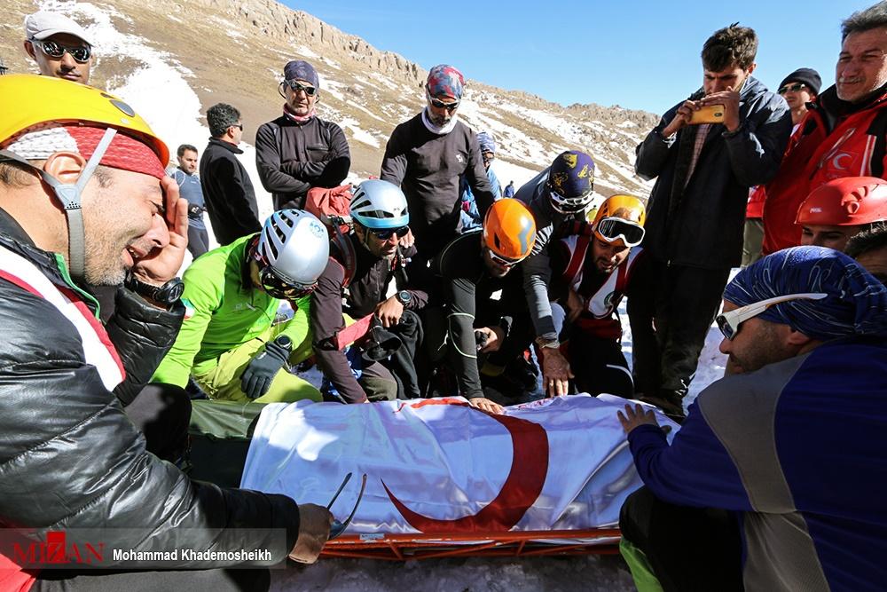 تصاویر | عملیات کشف پیکر آخرین کوهنورد حادثه اشترانکوه