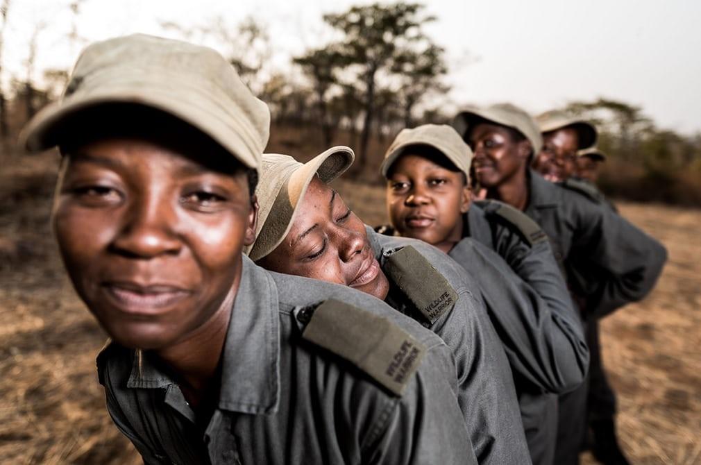 تصاویر   زنانی که با شکارچیان غیرقانونی میجنگند