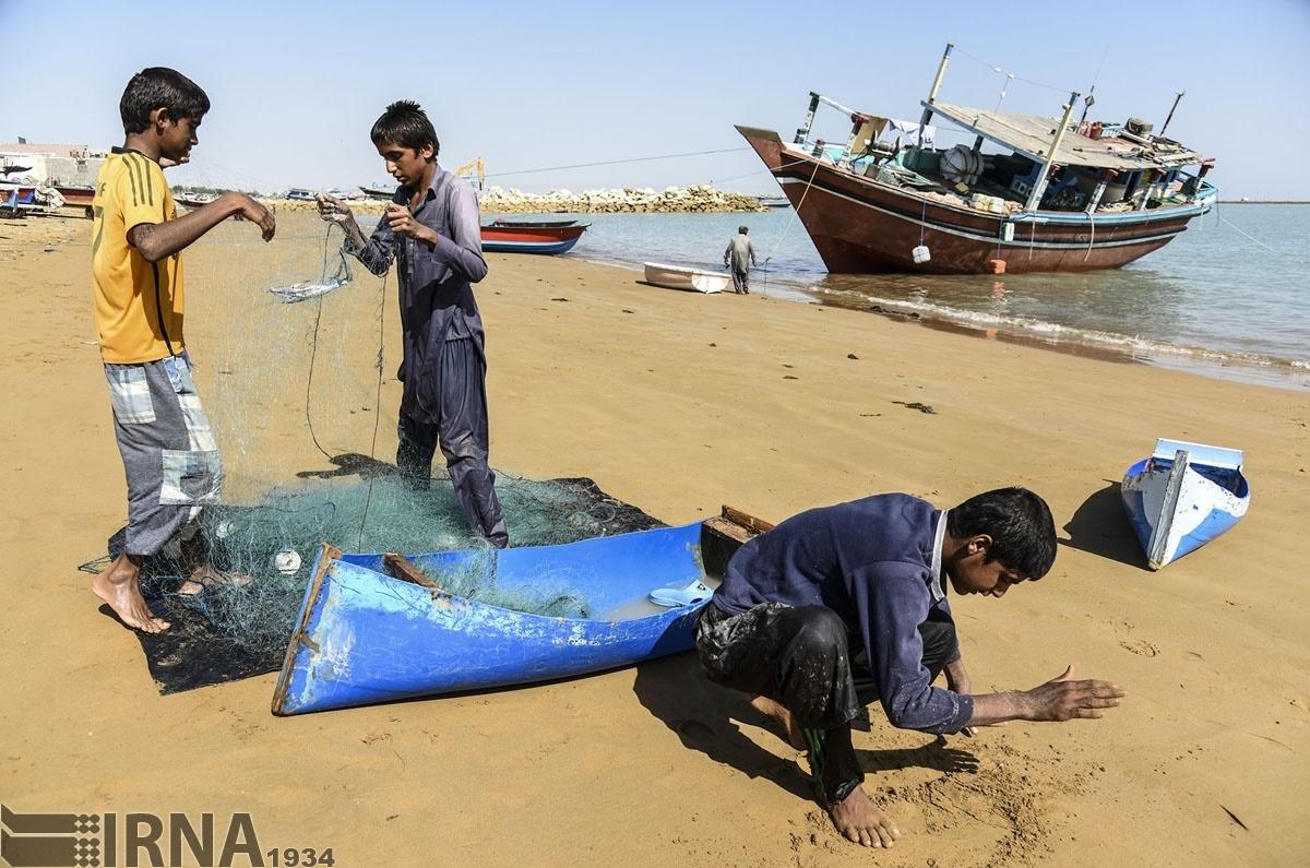 تصاویر | یک روز با صیادان تنها بندر اقیانوسی ایران