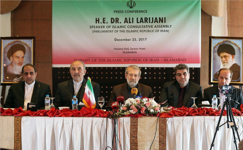 لاریجانی: با عربستان دشمنینداریم/ به جاسوسان کمکنمیکنیم