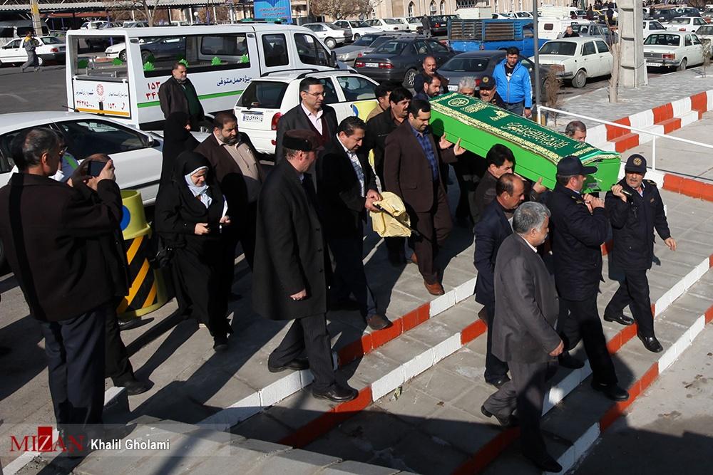 تصاویر   انتقال پیکر دهقان فداکار از تبریز به میانه