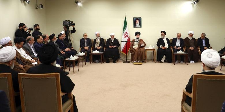 رهبرانقلاب: روحانیت در میدان نبود، انقلاب بهوقوع نمیپیوست