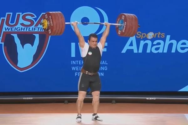 فیلم   لحظه تاریخسازی سهراب مرادی با شکستن رکورد وزنهبرداری جهان