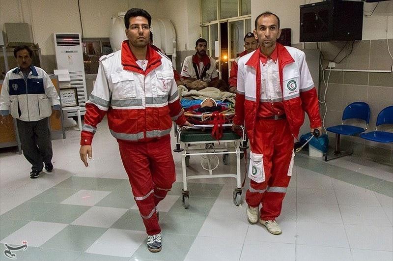 تصاویر | ۱۱ساعت تلاش برای نجات جوان کوهنورد در فارس
