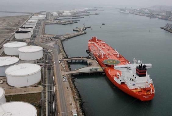 بازگشت صادرات نفت ایران به جایگاه ١٥ سال قبل