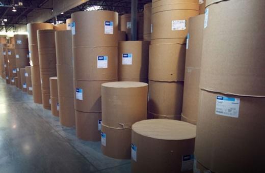 ترخیص محموله ۱۰ هزار تنی کاغذ از گمرک