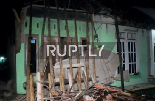 فیلم   زلزه ۶.۵ ریشتری اندونزی را لرزاند