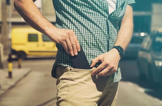 مرکز بهداشت کالیفرنیا: موبایل را در جیب خود نگذاشته و از بدن دورکنید