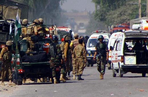 فیلم | حمله انتحاری به کلیسایی در پاکستان ۵ کشته برجای گذاشت
