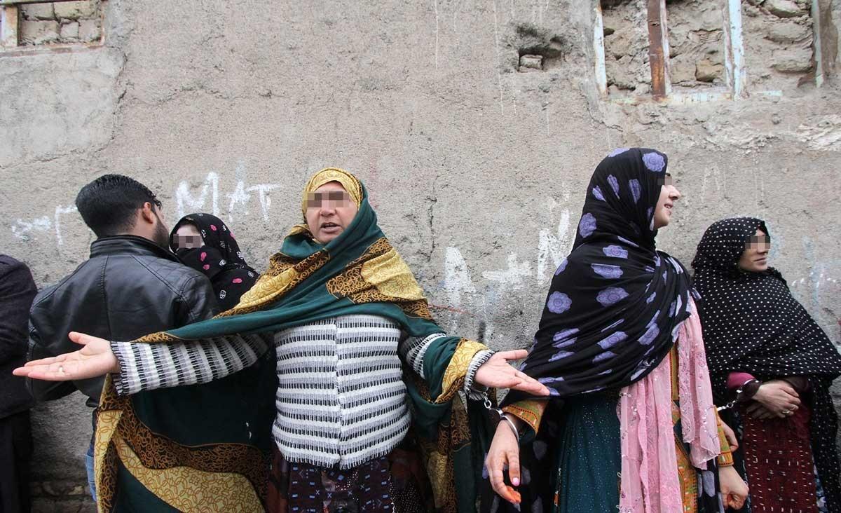 تصاویر   طرح ضربتی بازرسی مراکز فروش موادمخدر در حاشیه شهر مشهد