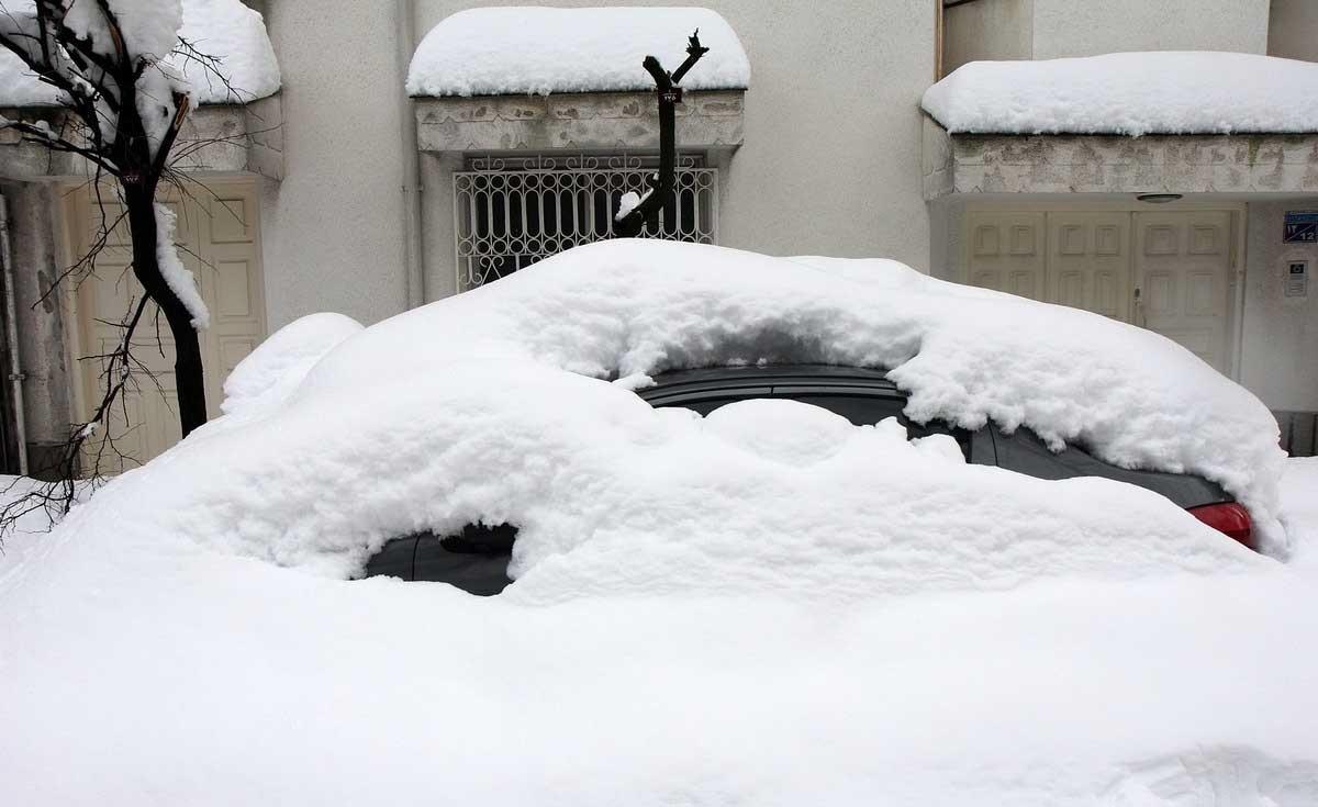 تصاویر / بارش نزدیک به یک متر برف در رشت