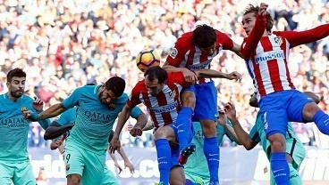 اتلتیکومادرید ۱-۲ بارسلونا/ مسی نسخه اتلتیکو را پیچید، بارسا صدرنشین شد