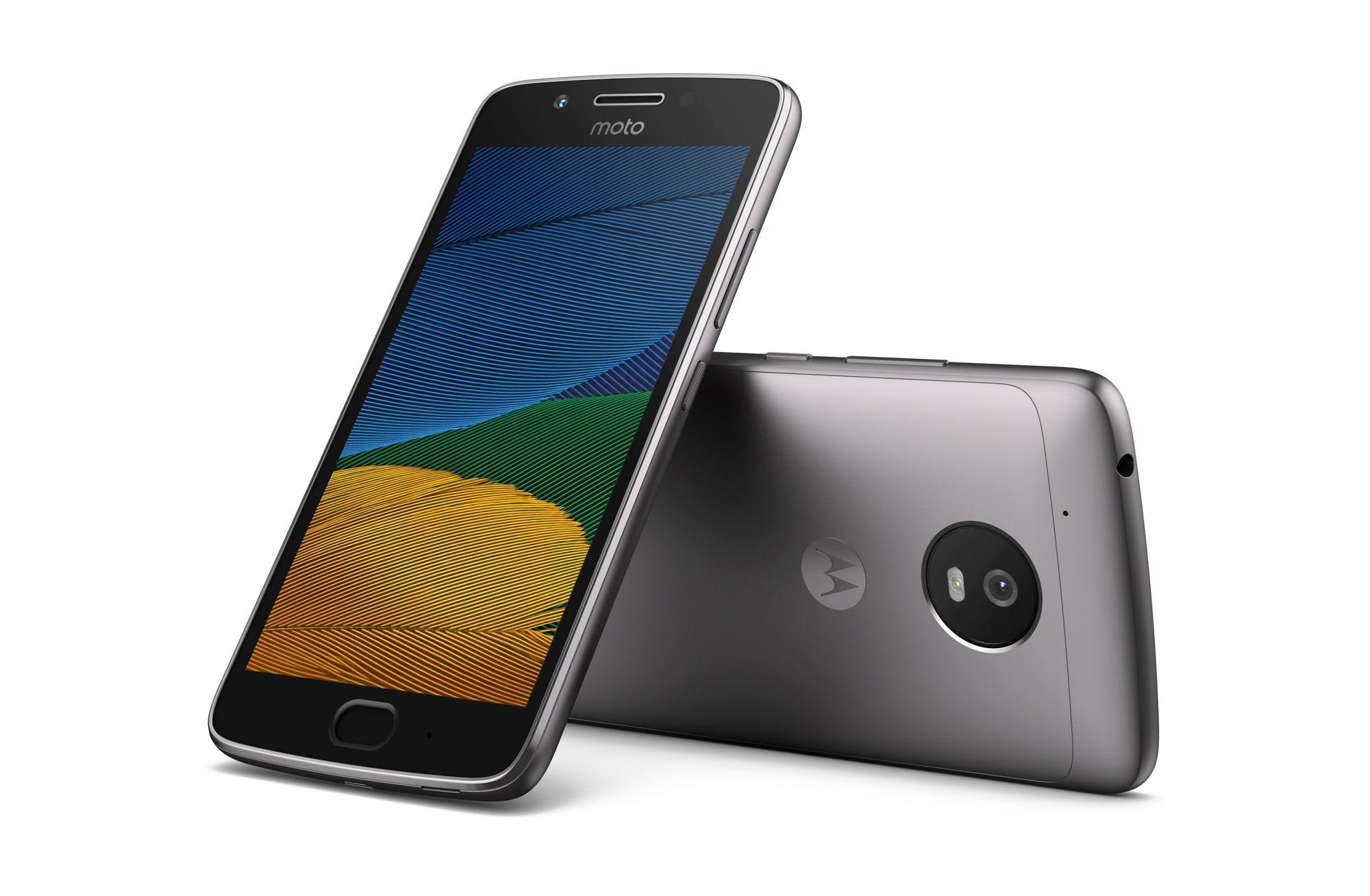 رونمایی از دو گوشی قدرتمند و ارزان موتوجی ۵  و جی ۵ پلاس در کنفرانس جهانی موبایل