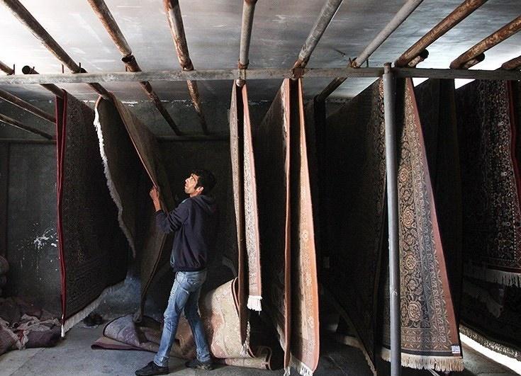 تصاویر | در حوالی نوروز | موسم خانه تکانی و رونق کارگاه های قالیشویی