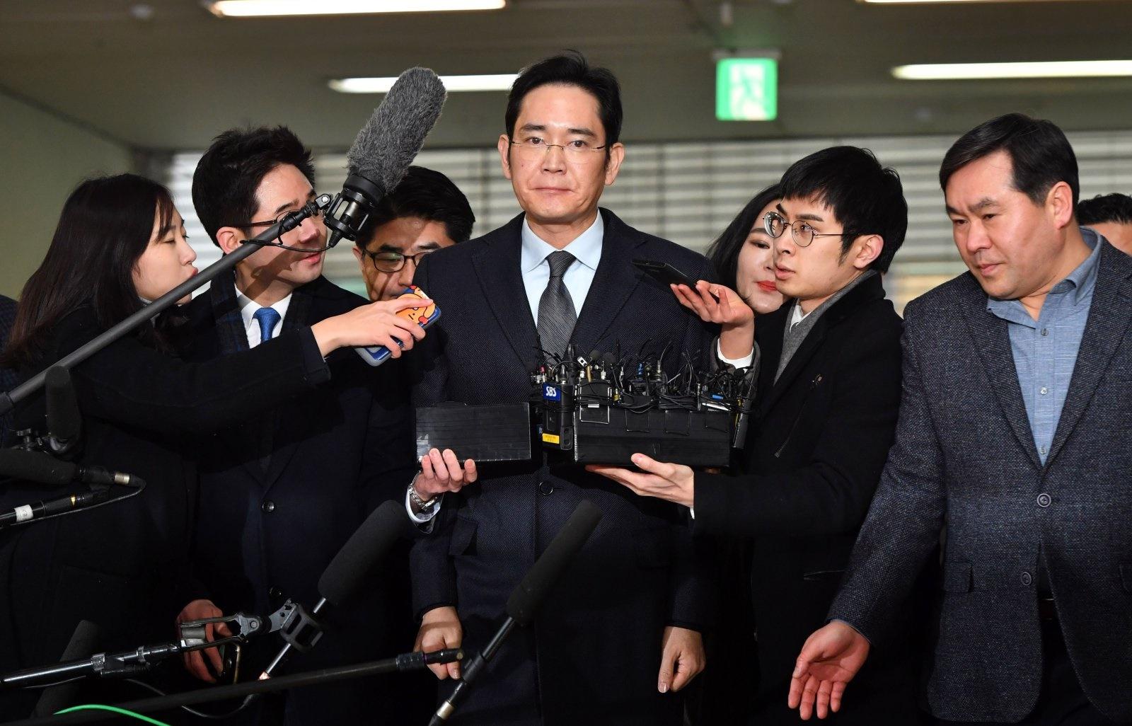 ۴ اتهام رسمی علیه رهبر سامسونگ / ۴ مدیر زیردست لی هم متهم شدند