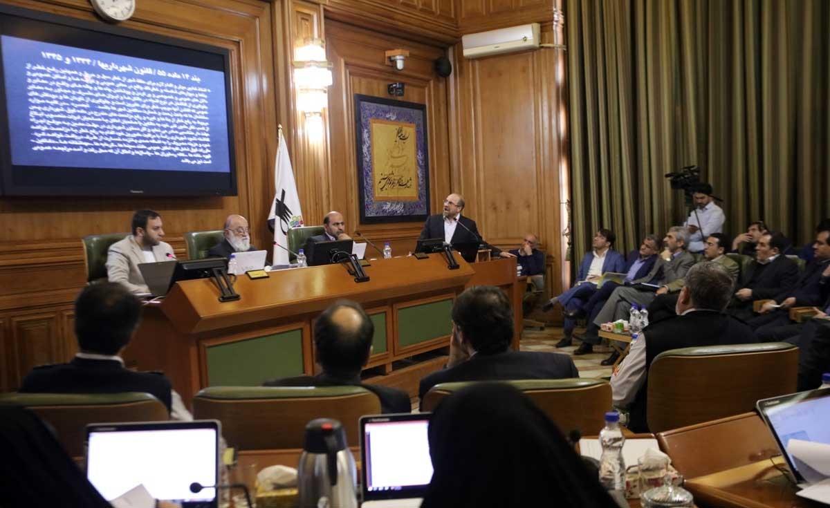 تصاویر | جلسه علنی شورای شهر در روزی که قالیباف از فاجعه پلاسکو گزارش داد