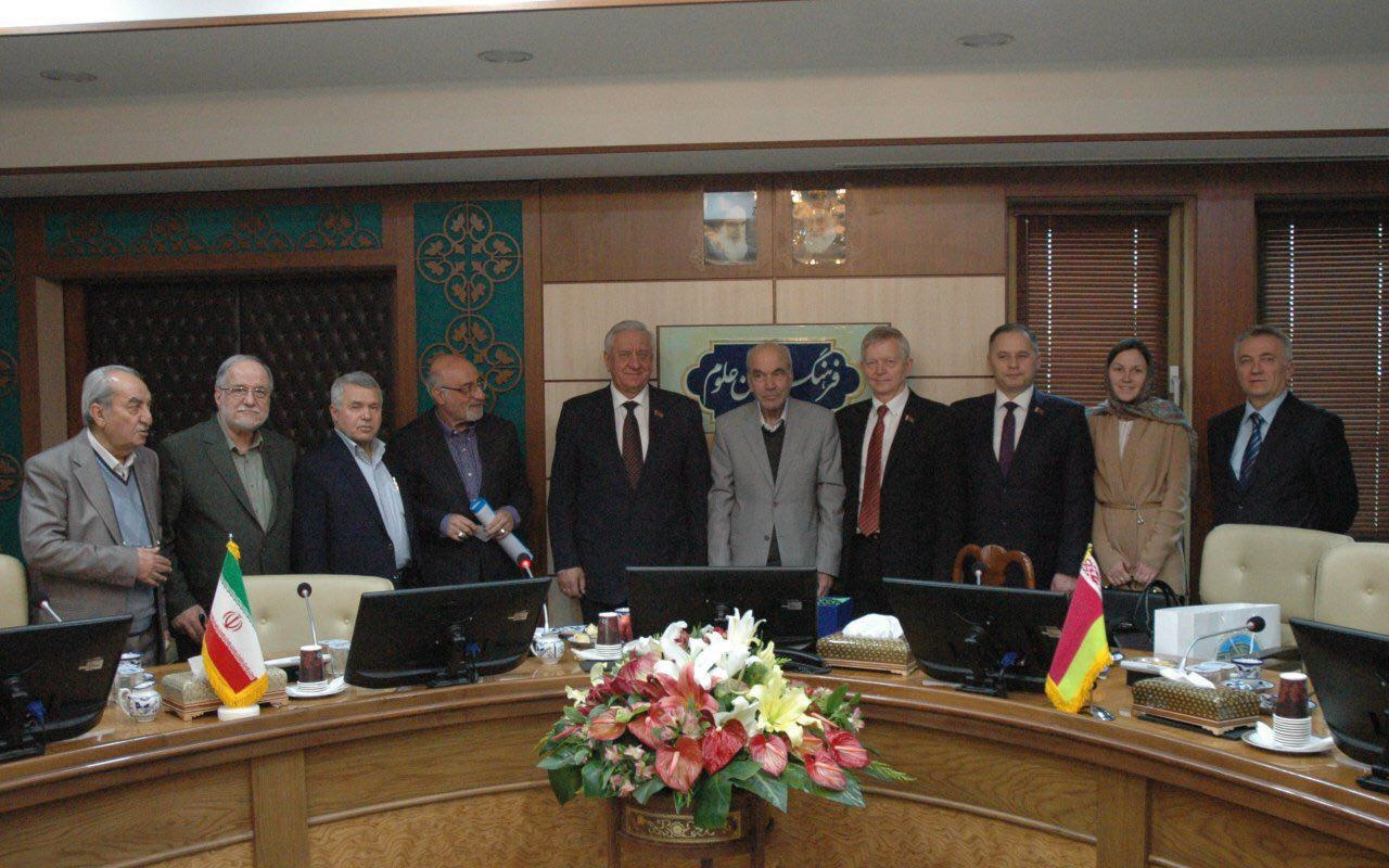 رئیس مجلس بلاروس در فرهنگستان علوم: ایران در زمینه علم و فناوری پیشرفت های اساسی داشته است