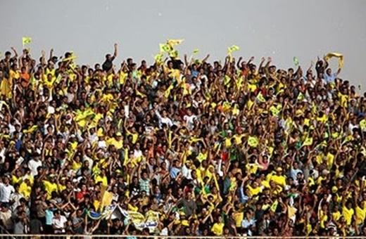 حرکت دستهجمعی بازیکنان نفت مسجدسلیمان برای اعتراض به وضعیت هوای خوزستان